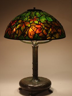 "16"" Woodbine on decorated Library"